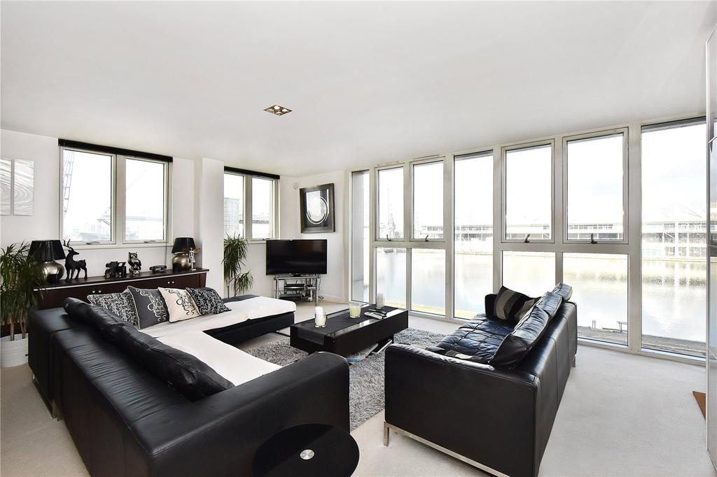 2 Bedrooms Flat for sale in Eastern Quay Apartments, 25 Rayleigh Road, London