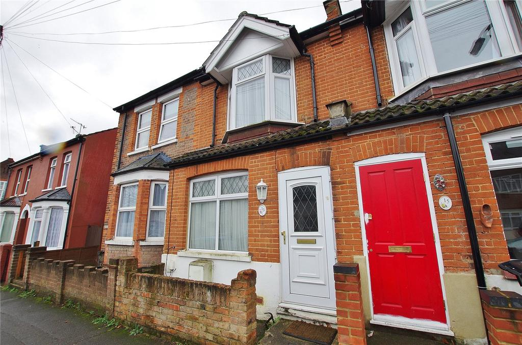 2 Bedrooms Terraced House for sale in Gammons Lane, Watford, Hertfordshire, WD24
