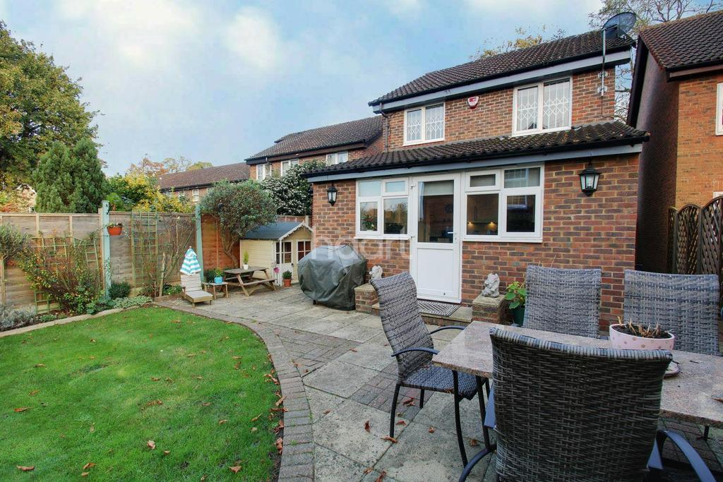 3 Bedrooms Detached House for sale in St Michaels Drive, Garston