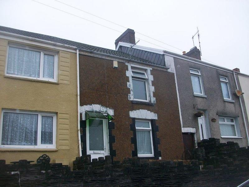 2 Bedrooms Terraced House for sale in Dinas Street, Plasmarl, Swansea, City And County of Swansea.
