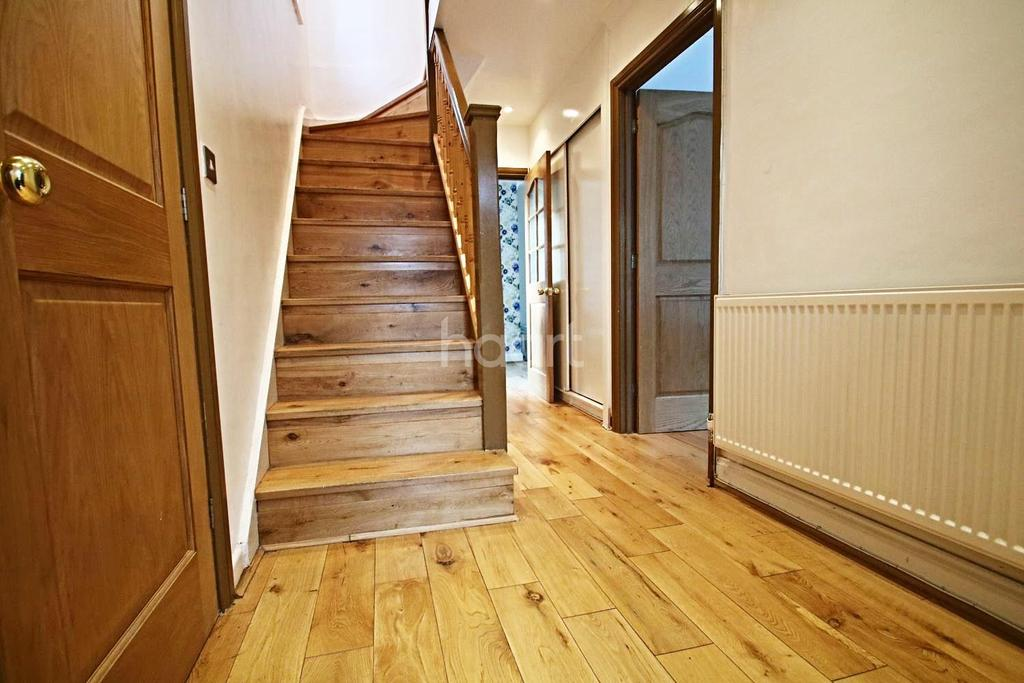 3 Bedrooms Semi Detached House for sale in First Avenue, Acton