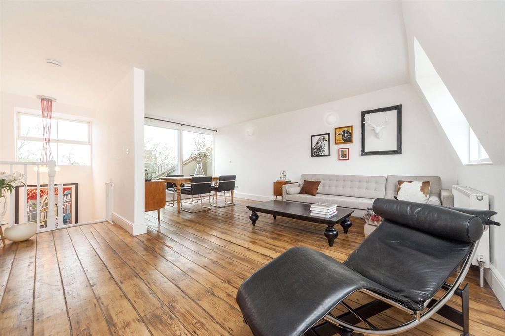 3 Bedrooms Flat for sale in Prince of Wales Road, Kentish Town, London