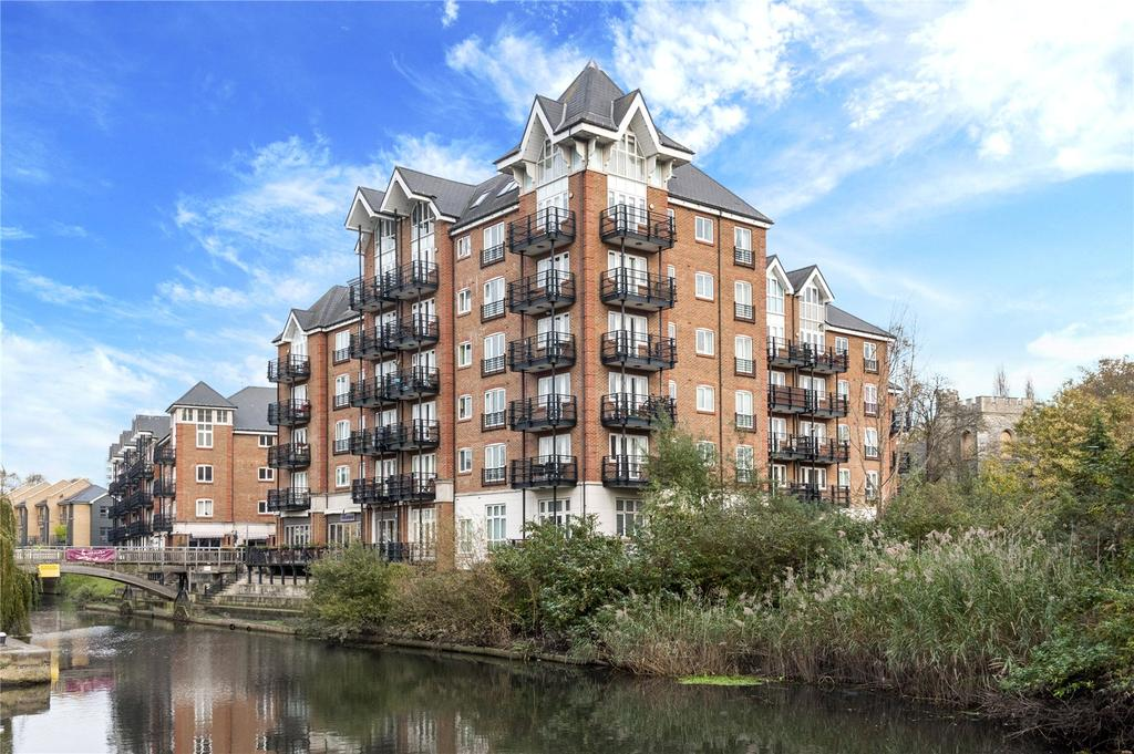 3 Bedrooms Flat for sale in Oakbark House, Brentford Lock, High Street, Middlesex