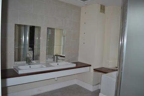 2 bedroom flat to rent - Crown House, Morriston
