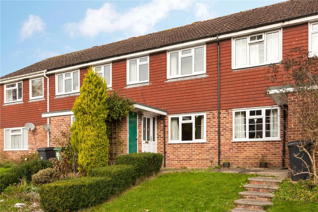 3 Bedrooms Terraced House for rent in Gilroy Close, Newbury, Berkshire, RG14