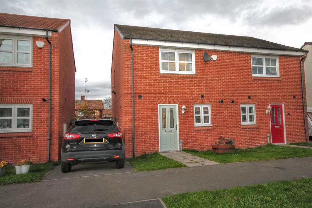 2 Bedrooms Semi Detached House for sale in Skerne Way, Darlington