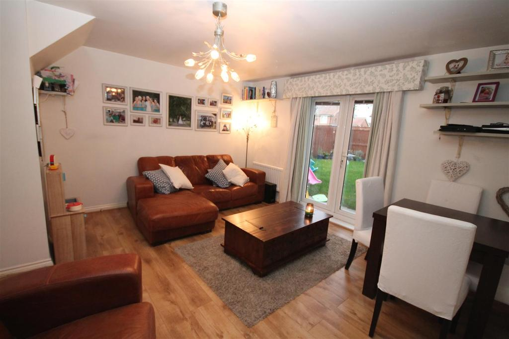 2 Bedrooms Semi Detached House for sale in Skerne Way, Darlington
