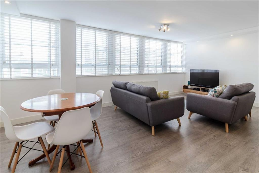 2 Bedrooms Flat for sale in High Street, High Barnet, Hertfordshire