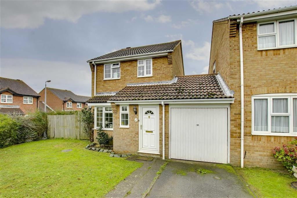 3 Bedrooms Detached House for sale in Barley Close, Telscombe Cliffs, Peacehaven