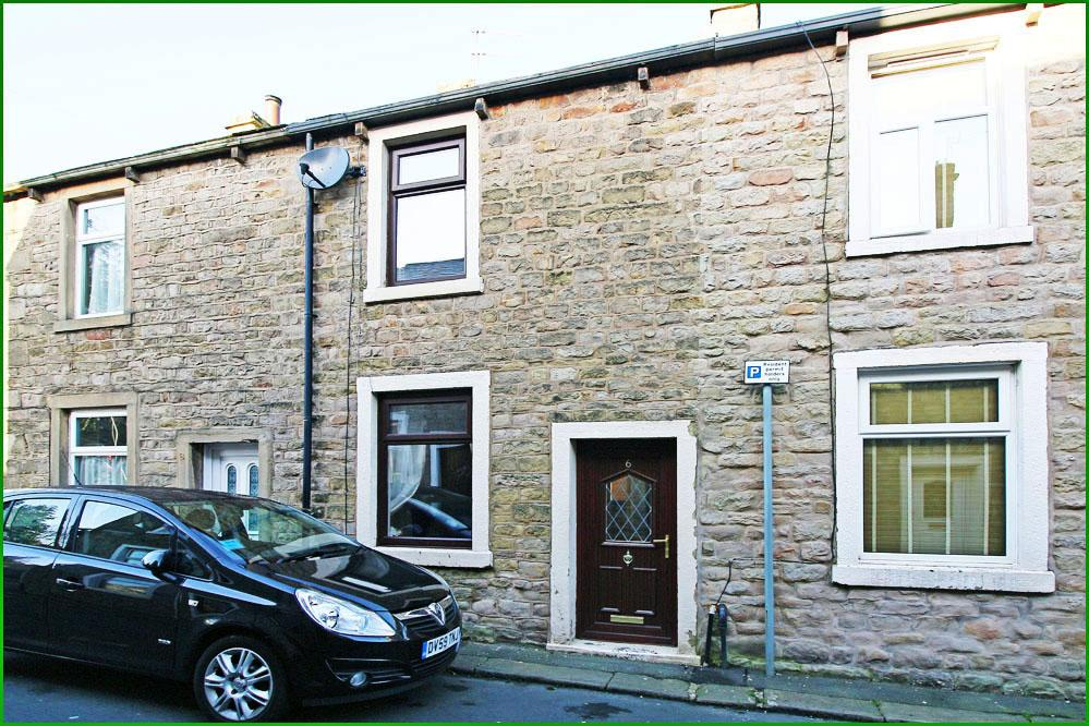 2 Bedrooms Cottage House for sale in 6 Market Street, Barnoldswick BB18 5UN