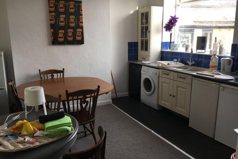 3 bedroom maisonette to rent - Christchurch Road, Bournemouth BH1