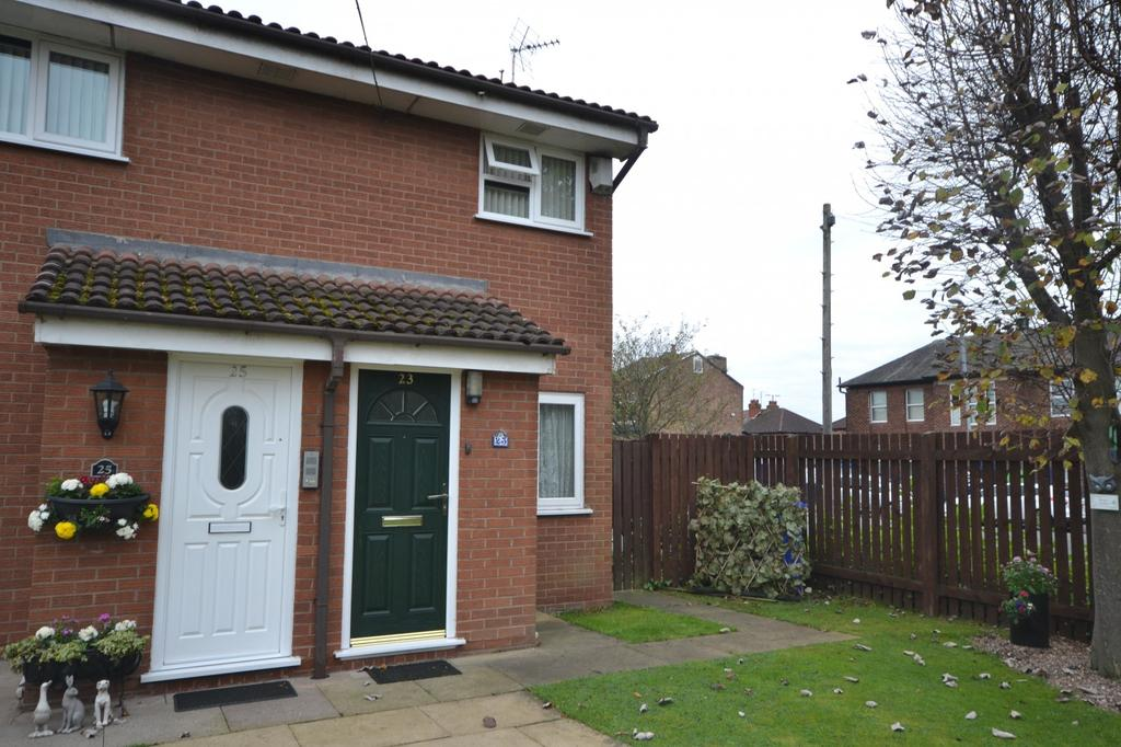 2 Bedrooms Retirement Property for sale in Lomas Close, Burnage
