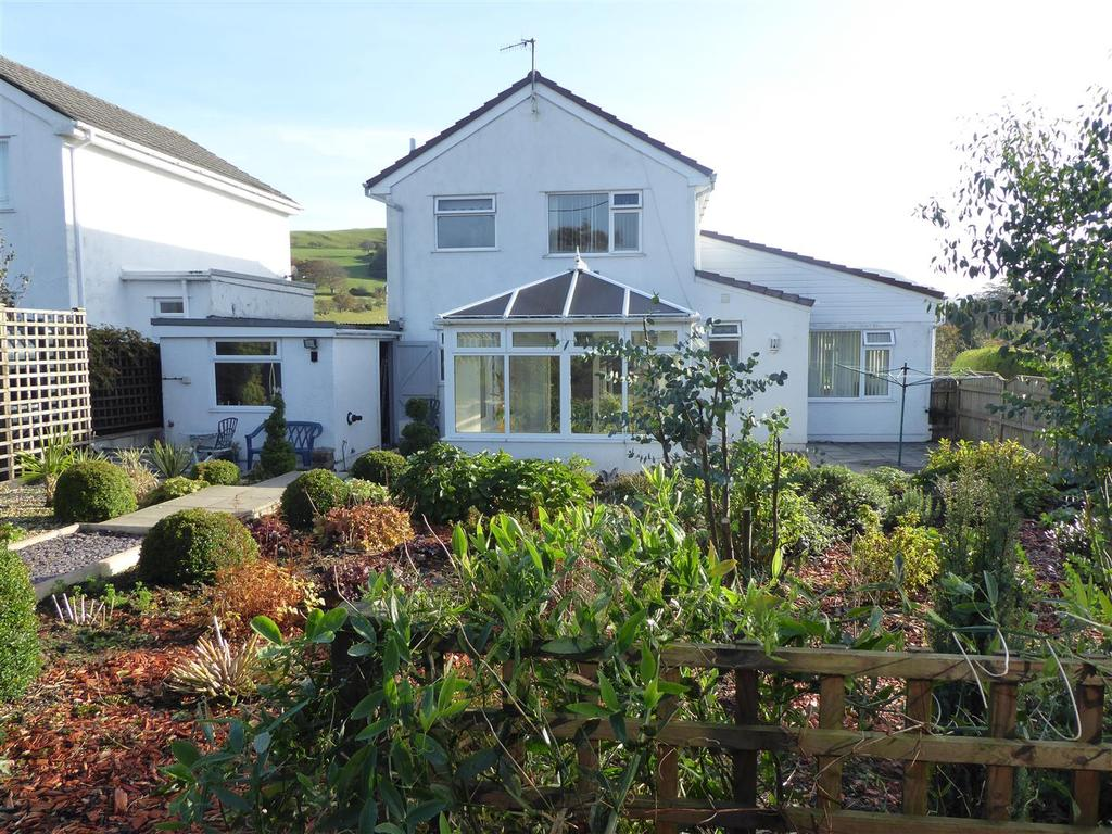 4 Bedrooms House for sale in Pwllswyddog, Tregaron