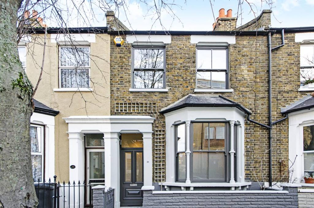 3 Bedrooms House for sale in Tudor Road, Hackney, London E9
