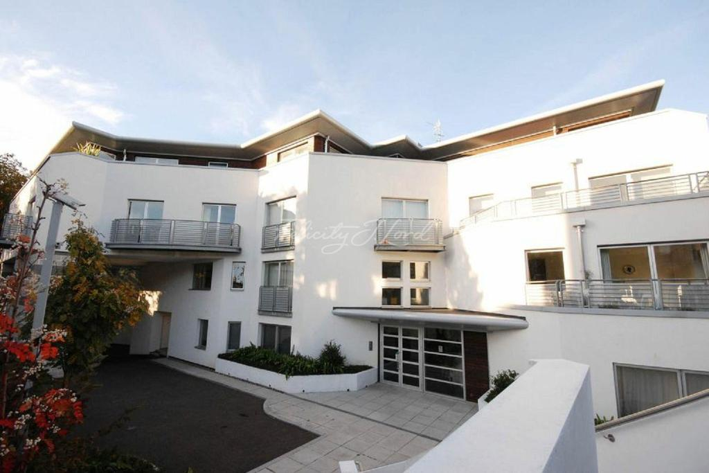 2 Bedrooms Flat for sale in Cityview Apartments, Lansdowne Lane, Charlton, SE7