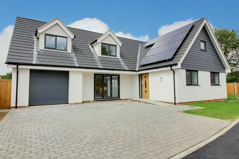 4 Bedrooms Detached House for sale in Kerdiston Road, Reepham, Norwich