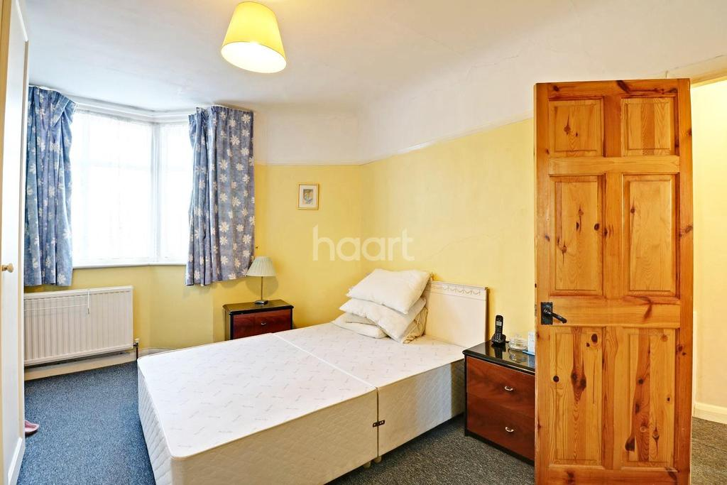 2 Bedrooms Bungalow for sale in Northolt