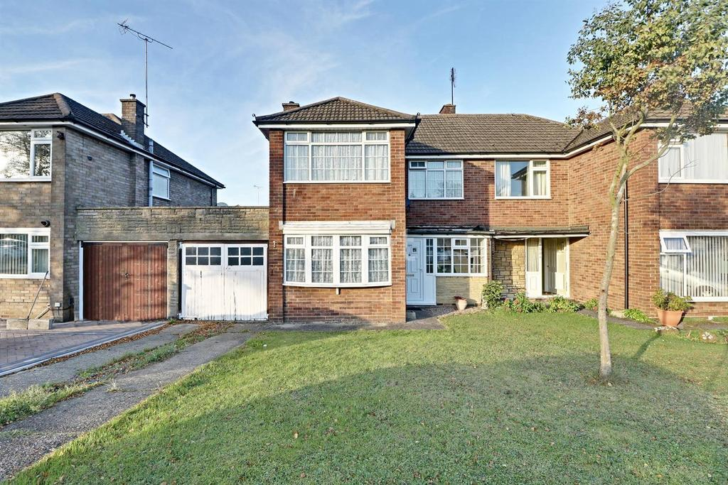 3 Bedrooms Semi Detached House for sale in Westmorland Avenue