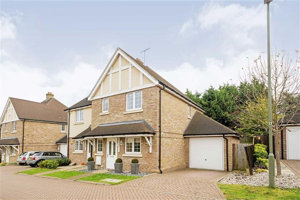 3 Bedrooms Semi Detached House for sale in Whitebeam Close, Epsom, Surrey