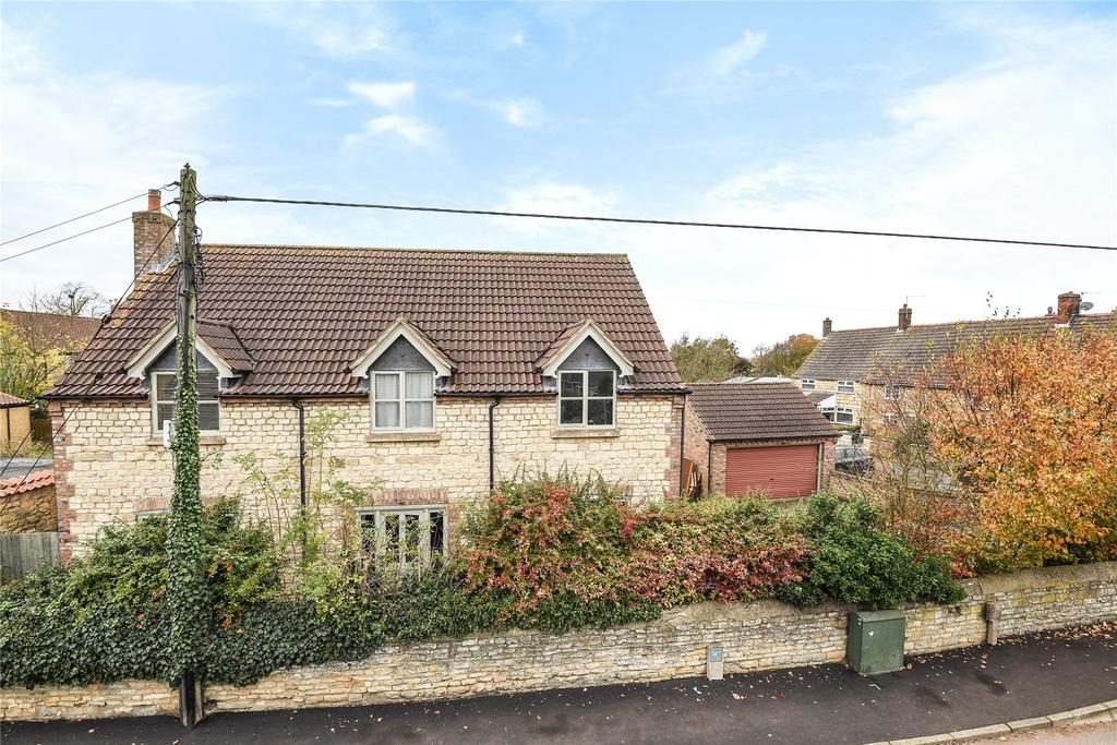 4 Bedrooms Detached House for sale in Station Road, Branston, LN4