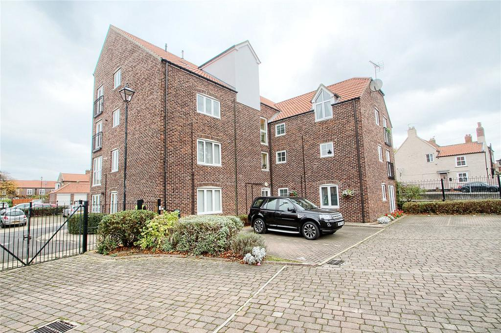2 Bedrooms Flat for sale in Sheraton House, Norton Hall