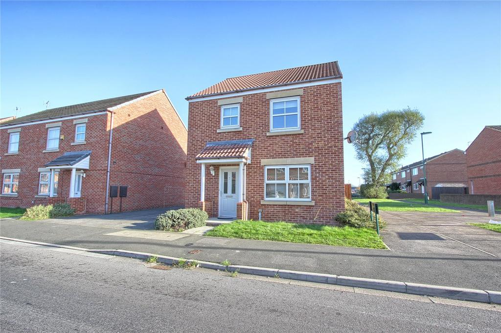 3 Bedrooms Detached House for sale in Low Farm Drive, Redcar