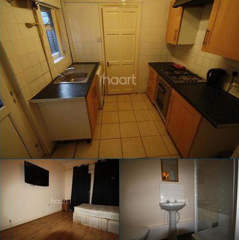 Studio to rent - Lyndhurst Road, Luton
