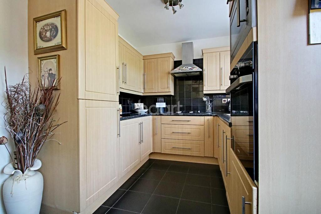 3 Bedrooms End Of Terrace House for sale in Ayot Path, Borehamwood