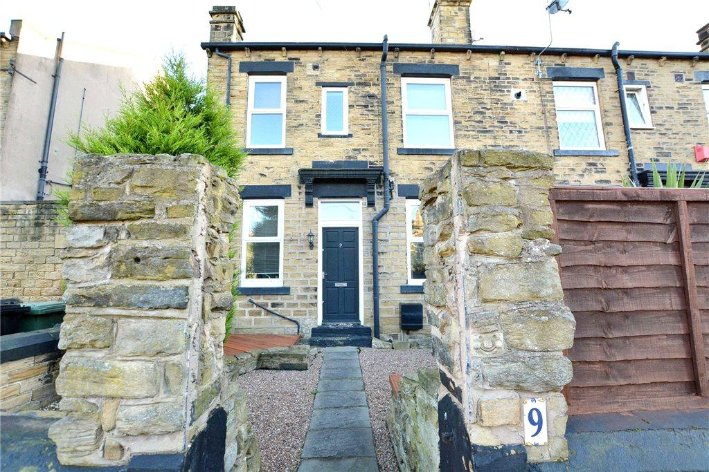 3 Bedrooms Terraced House for sale in Gladstone Terrace, Stanningley, Pudsey, West Yorkshire