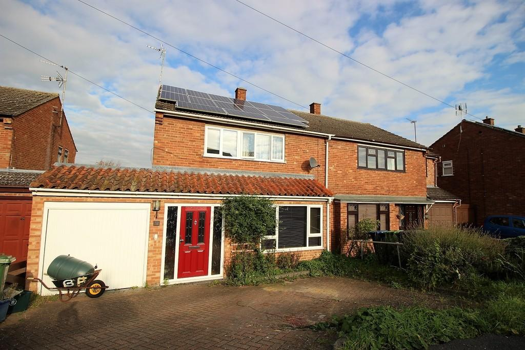 4 Bedrooms Semi Detached House for sale in Caraway Road, Fulbourn