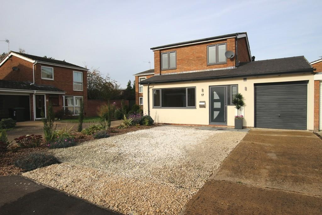 3 Bedrooms Link Detached House for sale in Herons Close, Ely