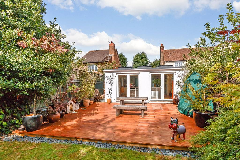 1 Bedroom Detached Bungalow for sale in Chalfont Road, Seer Green, Beaconsfield, Buckinghamshire, HP9