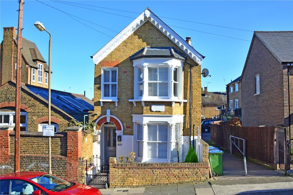 2 Bedrooms Maisonette Flat for sale in Halstow Road, London, SE10
