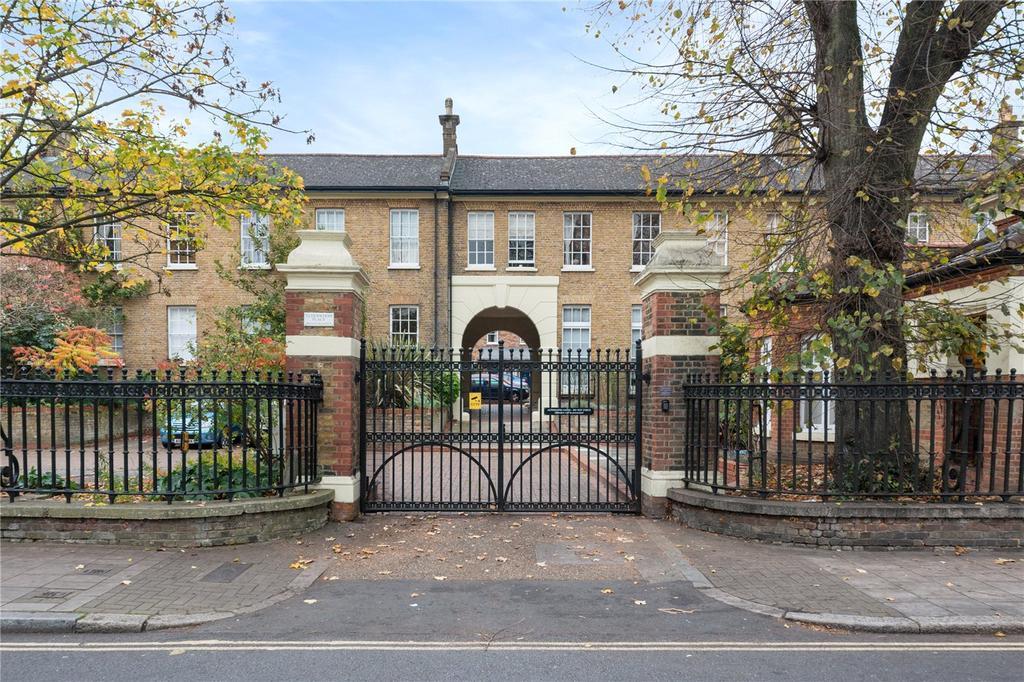 2 Bedrooms Flat for sale in Elderwood Place, London, SE27