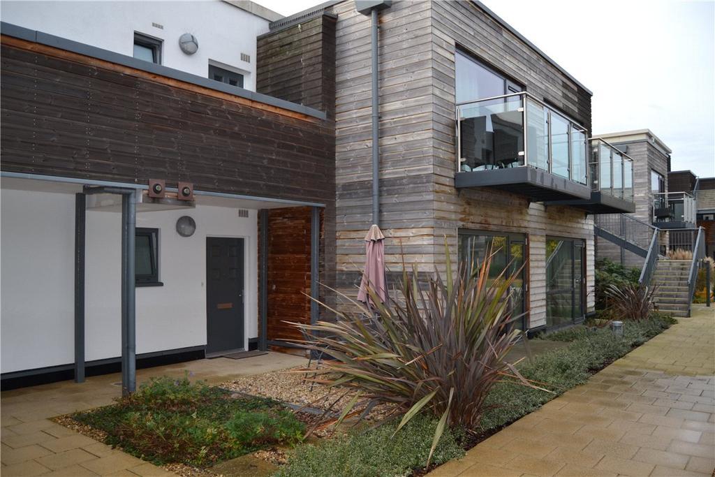 2 Bedrooms Apartment Flat for sale in Baily, Park Way, Newbury, Berkshire, RG14