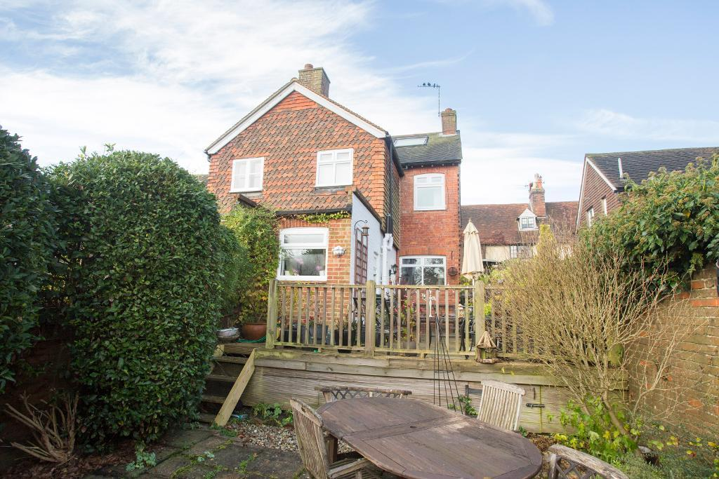 2 Bedrooms Semi Detached House for sale in High Street, Rotherfield, East Sussex, TN6 3LJ