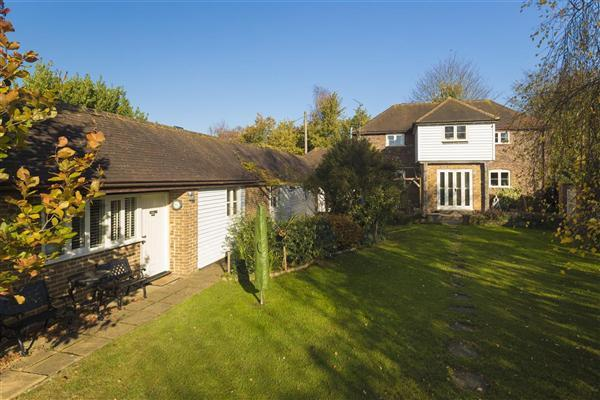 4 Bedrooms Detached House for sale in The Barn, Broad Street, Hollingbourne