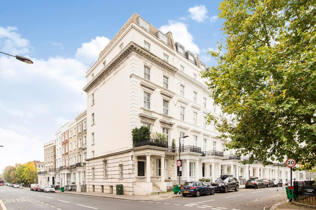 1 Bedroom Flat for sale in St Stephens Gardens, LONDON, W2