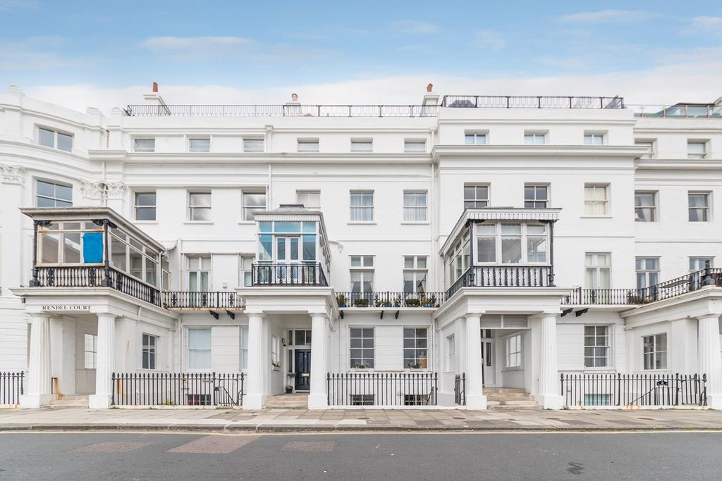 1 Bedroom Flat for sale in Chichester Terrace, Brighton, Brighton, BN2
