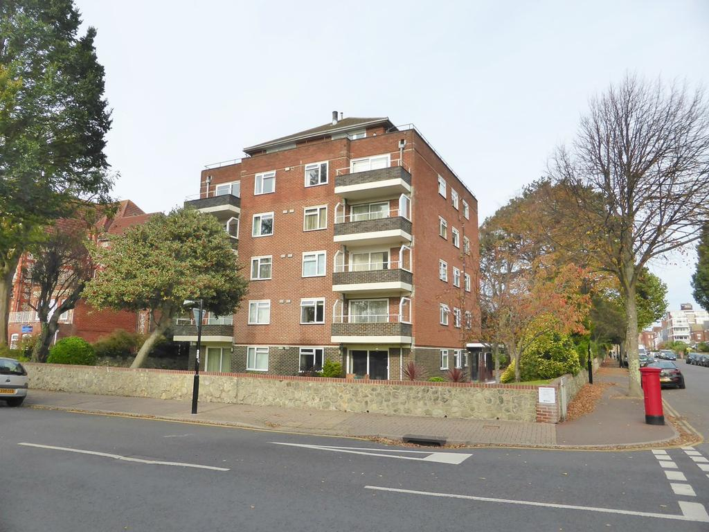 3 Bedrooms Apartment Flat for sale in Grange Road, Eastbourne, BN21