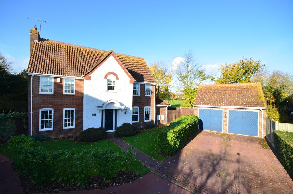5 Bedrooms Detached House for sale in De Vere Close, Hatfield Peverel