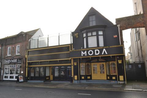 Restaurant to rent - High Street, Newport
