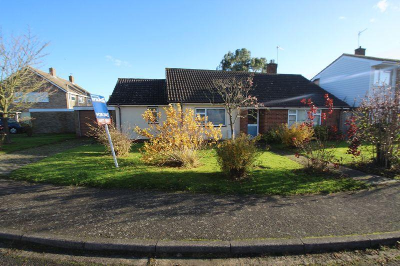 3 Bedrooms Detached Bungalow for sale in Britten Close, Tonbridge