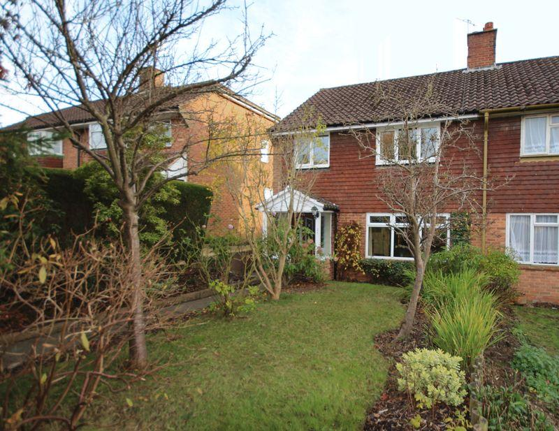 3 Bedrooms Semi Detached House for sale in Ashenground Road, Haywards Heath