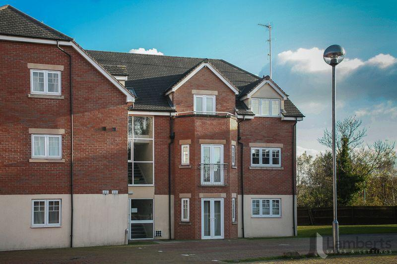 2 Bedrooms Apartment Flat for sale in Evesham Road, Redditch