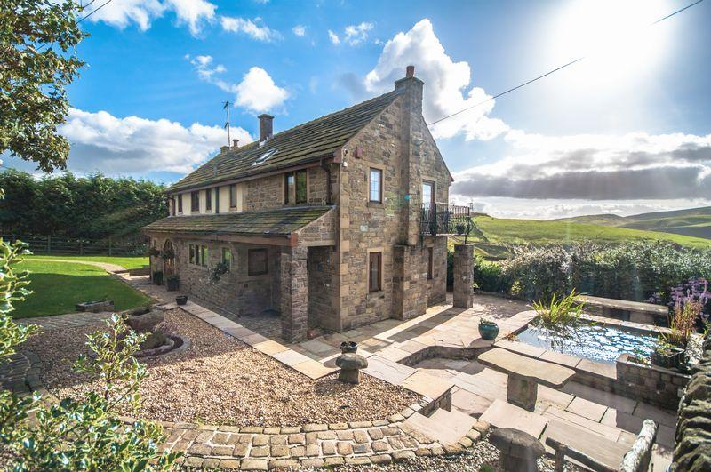 5 Bedrooms Detached House for sale in Warland, Todmorden