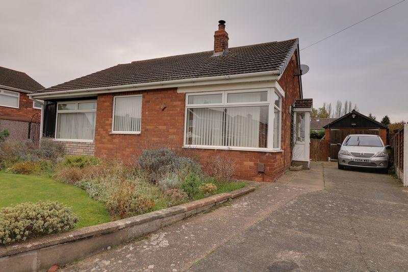 3 Bedrooms Detached Bungalow for sale in Stainton Drive, Scunthorpe