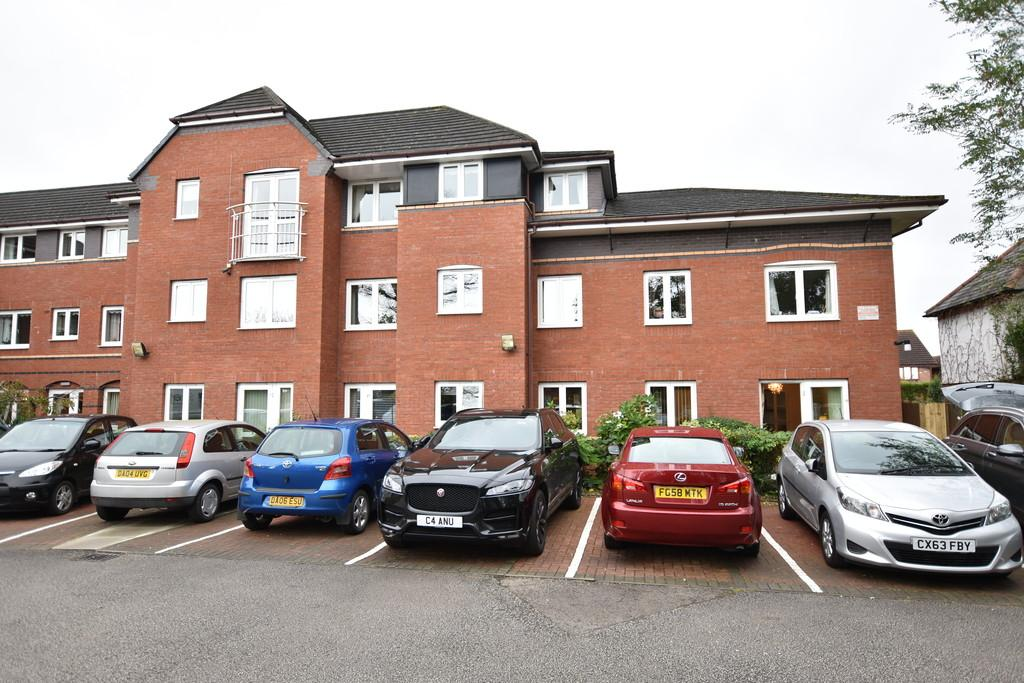 1 Bedroom Ground Flat for sale in 16 Mallard Court