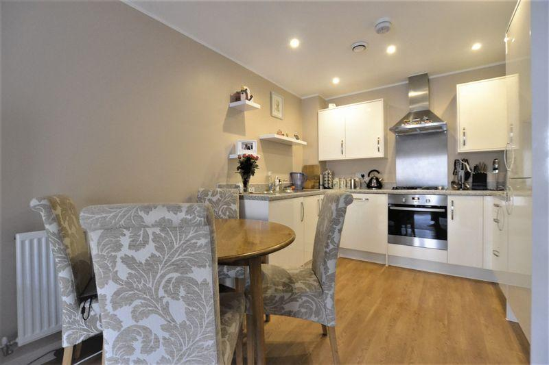 1 Bedroom Apartment Flat for sale in Renwick Drive, Bromley