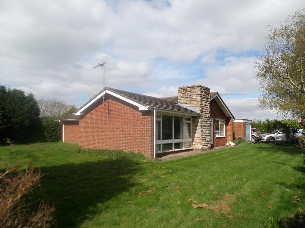 3 Bedrooms Detached Bungalow for sale in Parsonage Lane, Sutton St James